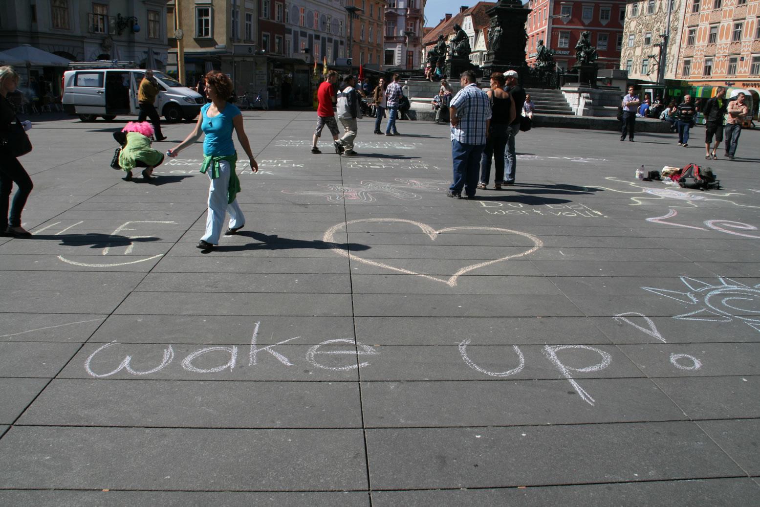 Zeichnen gegen Kürzungen: wake up Graz Hauptplatz